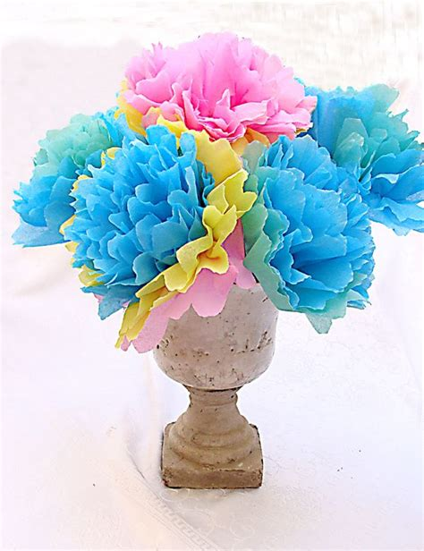 Paper Flower Bouquet Craft - make a festive bouquet with crepe paper flowers