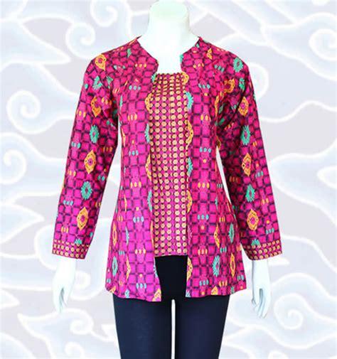 Jfashion Blus Wanita Dewasa Tangan 3 4 Gaya Korea Kombinasi List Hitam 38 model baju blus batik elegan serta modis model baju