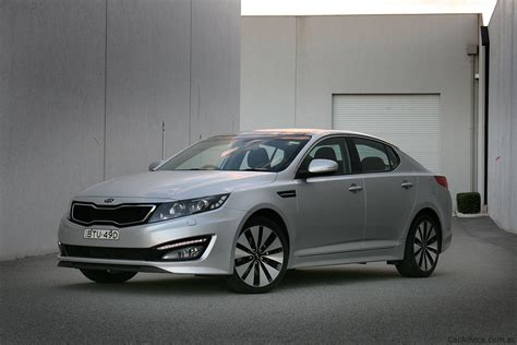 Kia Comparison Hyundai I45 Vs Kia Optima Comparison Review Photos 1 Of 33