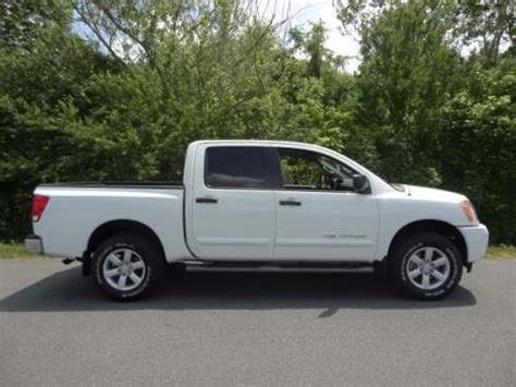 2014 Nissan Titan Sv by Sell Used 2014 Nissan Titan Sv In 5795 Pkwy