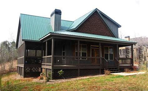 cabin floor plans with screened porch small 2 story 3 bedroom cabin with wraparound porch