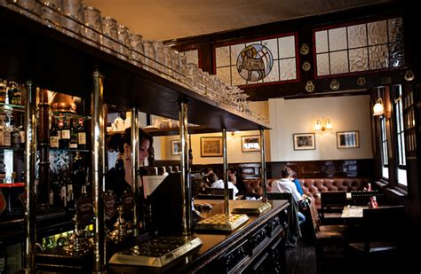 traditional pubs  london global blue