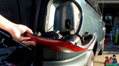 2005 dodge grand caravan tail light assembly how to replace a burnt out tail light dodge caravan