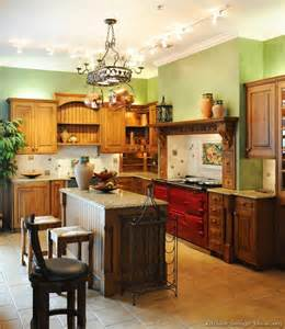 pictures of kitchen decorating ideas a traditional italian kitchen design with a aga stove