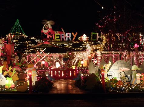 Xmas Decorated Homes by Best Christmas House Danny P