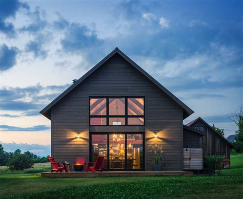 Farmhouse Style House Plans Small And Cozy Modern Barn House Getaway In Vermont