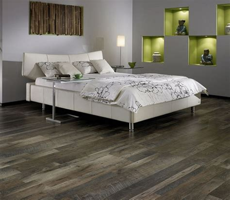 grey laminate flooring maintain and cleaning tips
