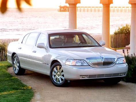 2004 lincoln town car pricing ratings reviews kelley blue book