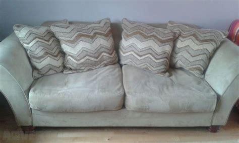 arnotts sofas michael tyler amelia suite inc cuddler sofa couch x 2