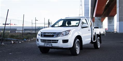 isuzu dmax 2015 isuzu d max review 4x2 sx high ride cab chassis
