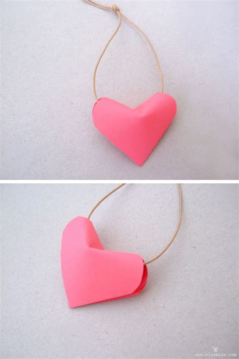 Make Paper Hearts - a puffed up 3d paper bloomize