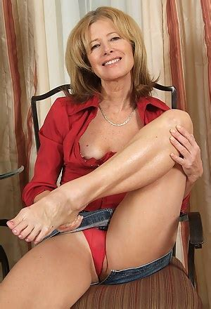 Free Milf Porn Mature Sex Pics Pussy Moms