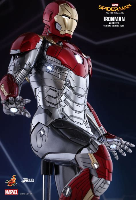 best iron man suit our best look yet at iron man s new suit from spider man