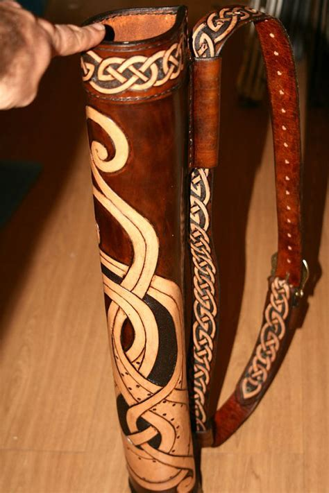 Handmade Quiver - beautiful handmade archery quiver reenactment leather