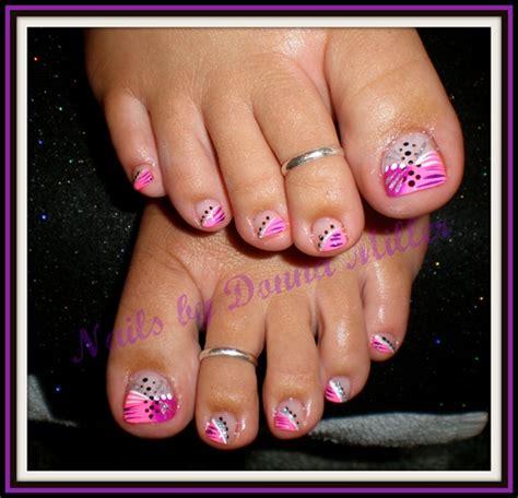 nails art design magazine video 16 purple with white toe nails design images purple