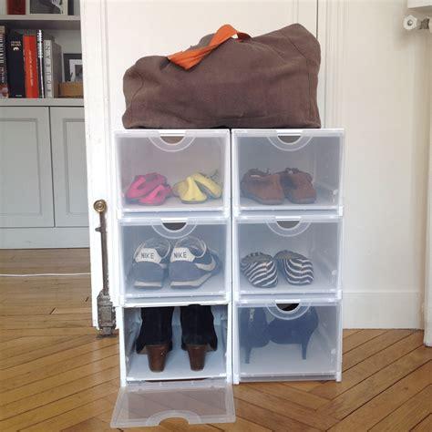 Charmant Chambre Blanche Et Bois #5: boite-de-rangement-pour-chaussures-pliable-et-empilable-blanche-et-transparente.jpg