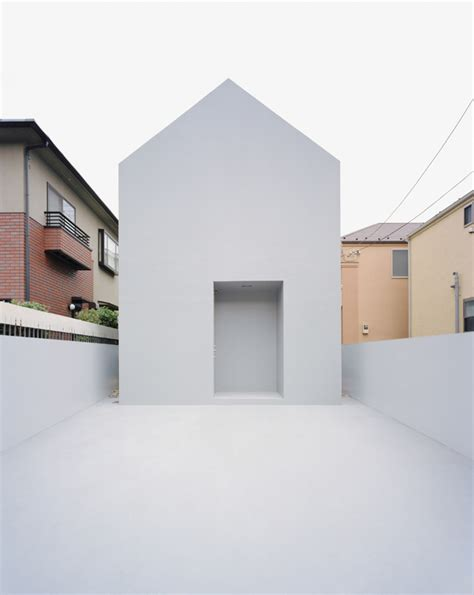 minimalist housing the most minimalist house in japan digsdigs