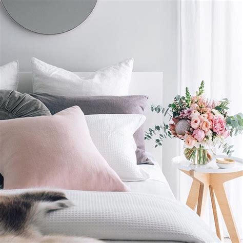 grey white pink bedroom a pretty white pink and pale grey palette for a feminine bedroom 214 tletek h 225 z