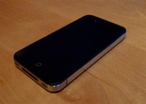 Iphone 4 Black iphone 4 black 16 gb qatar living