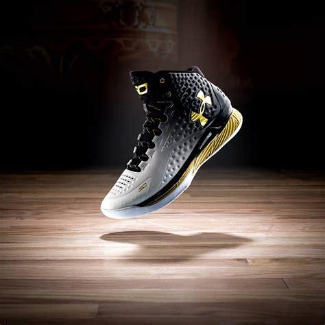Sepatu Basket Armour Curry 1 Warrior Dub Nation Nike chaussure de basket curry