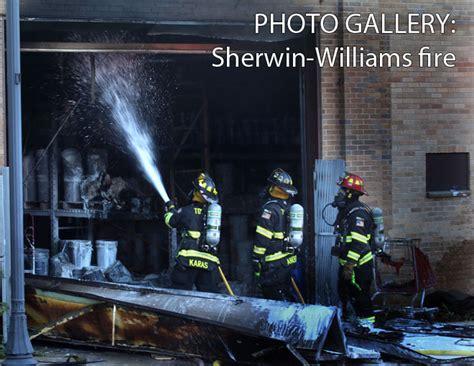 sherwin williams paint store glendale crews battle flames at sherwin williams paint store