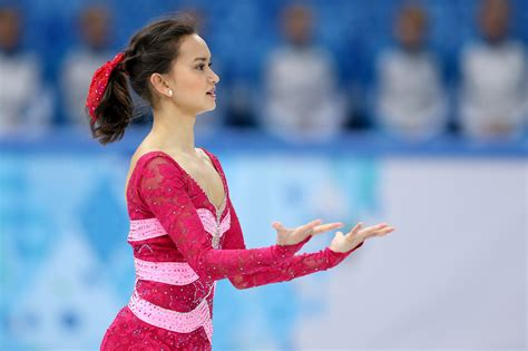 hairstyles for figure skaters figure skating hairstyles at the olympics stylecaster