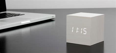 design radiowecker le r 233 veil cube click clock guten morgwen