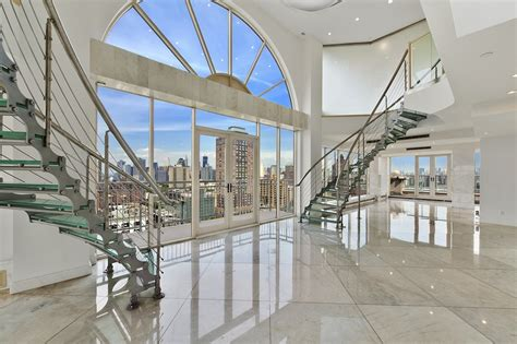 Nyc Apartments Glass Glass Duplex Penthouse 5 900 000 Pricey Pads