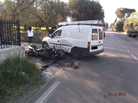 fiat ufficio reclami incidente su via san vito tra una moto e un furgone qui