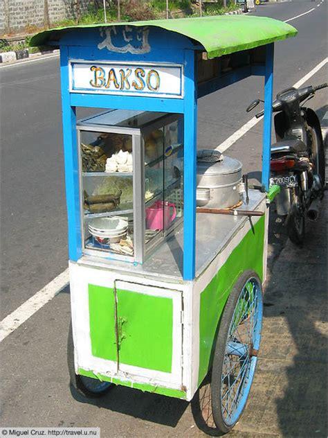 chariots carrioles ambulants votre voyage  bali en