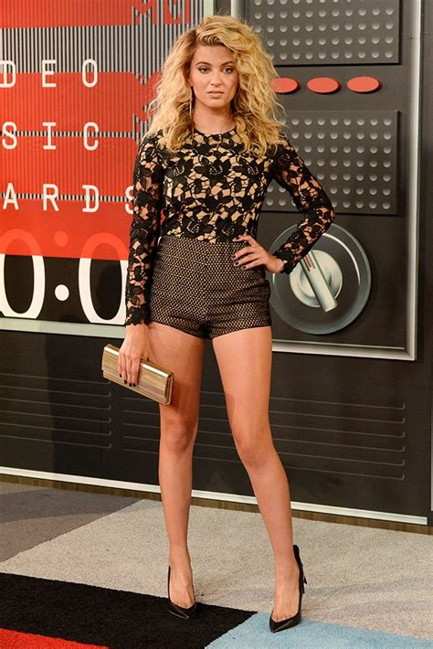 Scherzingers Studded Louboutin Boots At Mtv Trl by Mtv Awards 2015 Carpet Shoes Photos