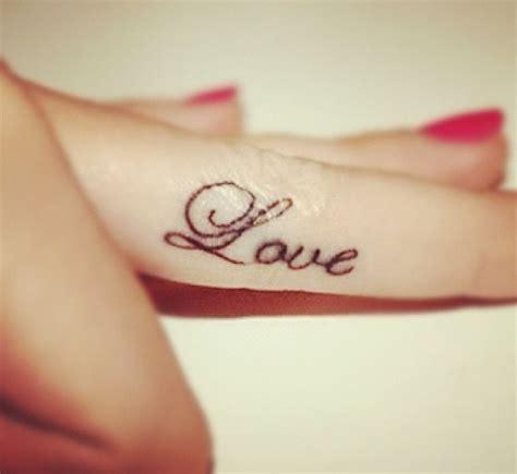 tattoo love finger love heart tattoo on finger