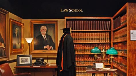 jasa pembuatan disertasi disertasi hukum 0852258877 jasa pembuatan tesis hukum pidana 089650066474
