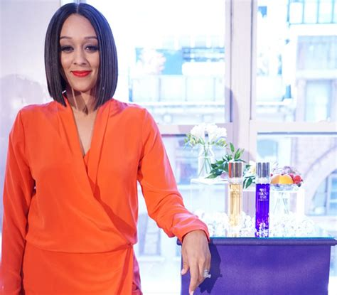 does tia mowery wear wigs tia mowry shares 5 easy tips for a glam mother s day