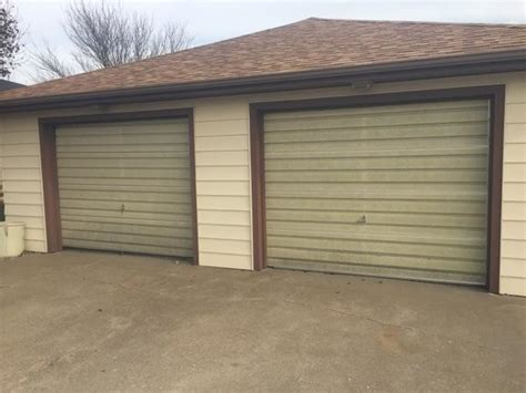Fiberglass Garage Door by Fiberglass 9 X7 Garage Doors Pioneer Classifieds