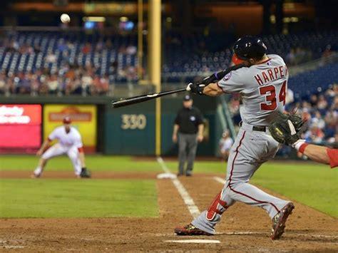 4 ways major league baseball hits a home run with social
