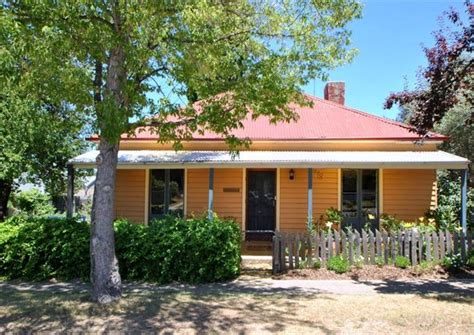 cooma cottage cooma cottage compare deals