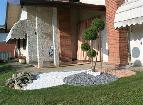 aiuole fiorite con sassi aiuole con sassi oasi di creativit 224 il verde