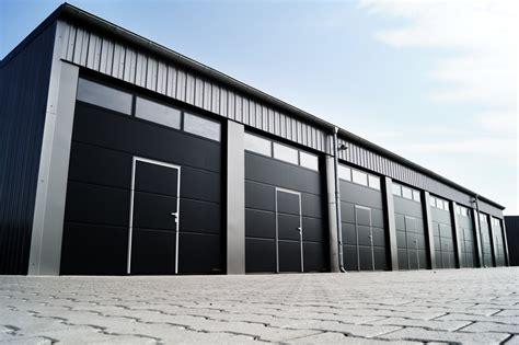 stahlhalle mit wohnung bilder mm mietgaragenpark garagen g 252 nstig mieten