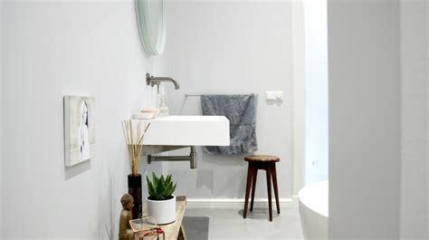 mobile colonna per bagno mobile bagno con colonna per il bagno funzionale dalani