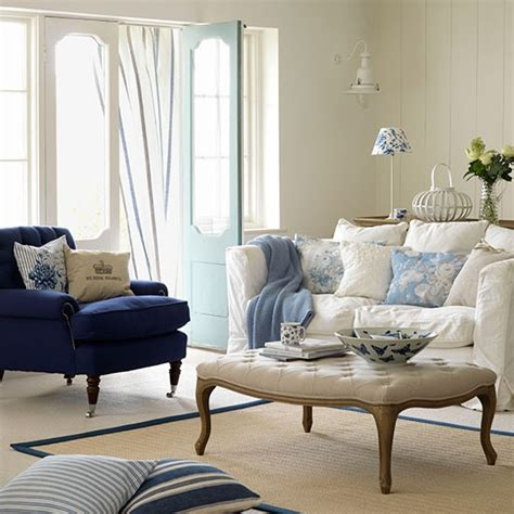 Blue And White Living Room Decorating With Country Blue And White Living Room Decorating Ideas