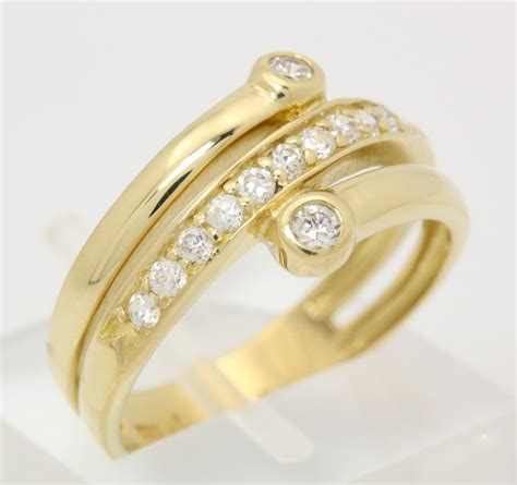 Goldring Kratzer Polieren by H 252 Bscher Ring In Aus 333 8kt Gelb Gold Mit Zirkonia