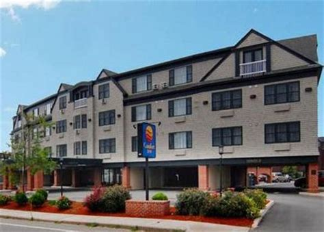 comfort inn middletown ri comfort inn middletown middletown deals see hotel