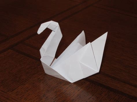 Easy Swan Origami - origami swan by notsahar on deviantart