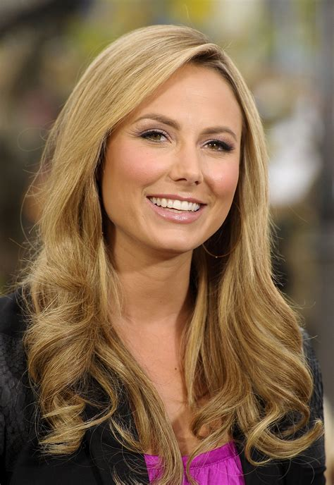 stacy keibler  extra tv show   grove  los angeles hawtcelebs