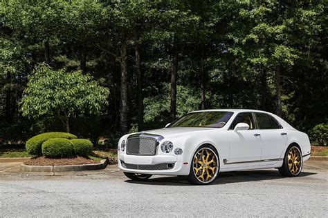 bentley mulsanne 2015 white white 2015 bentley mulsanne on gold 24 capalavaro