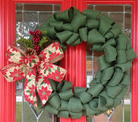 Handmade Wreaths Ideas - let the tradition remain intact with the typical