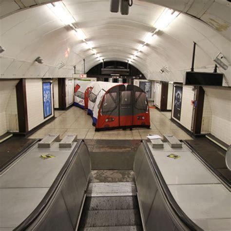 London Underground Tube  Tent Iwoot