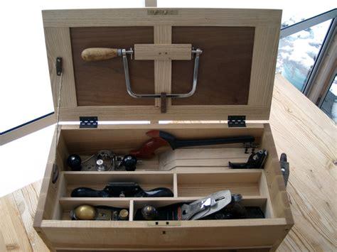version   essential tool chest    johnsen