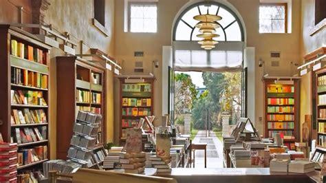 libreria a tutto volume libreria a tutto volume rosso